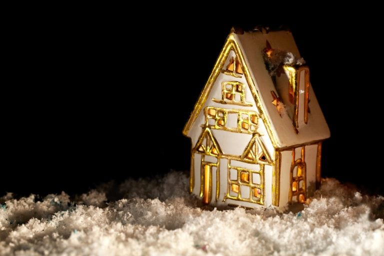 Why Buying Real Estate During the Holidays is Smart